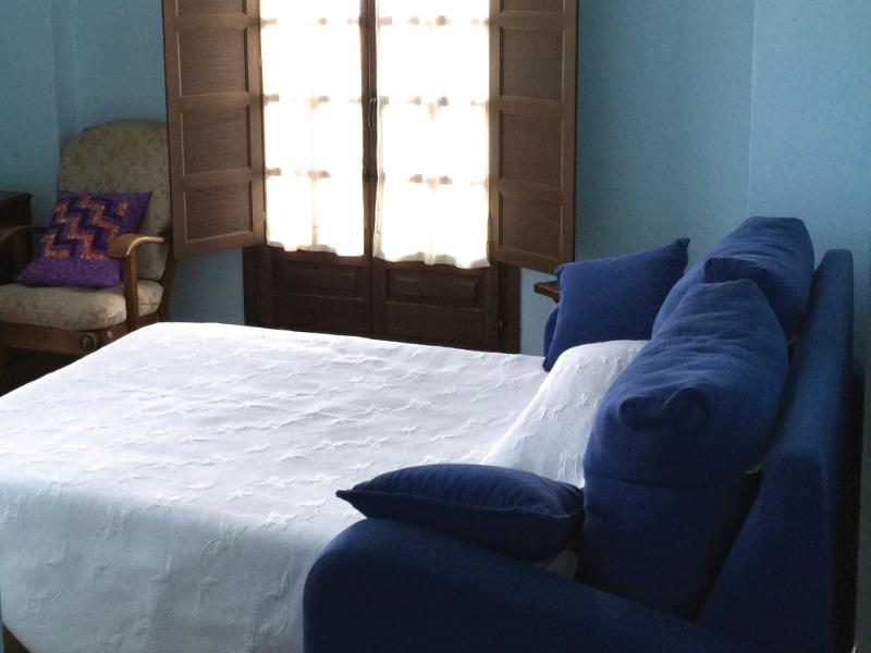 https://miradordedeva.com/wp-content/uploads/2018/01/Hotel-Mirador-Deva-habitacion2.png